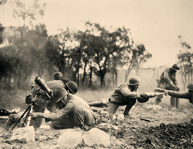 Mortar crew of 92nd Division at Massa